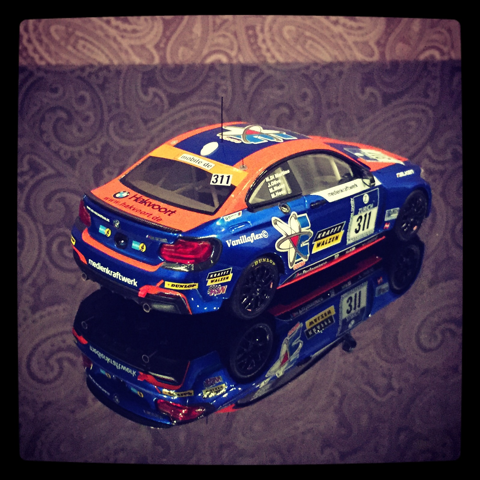 BMW M235i (F22) racing, team Medienkrafwerk, #311 Di Martino/Olivo/Maier/Hess, 24h Nurburgring 2014, le 1 of 514pcs. (Minichamps)