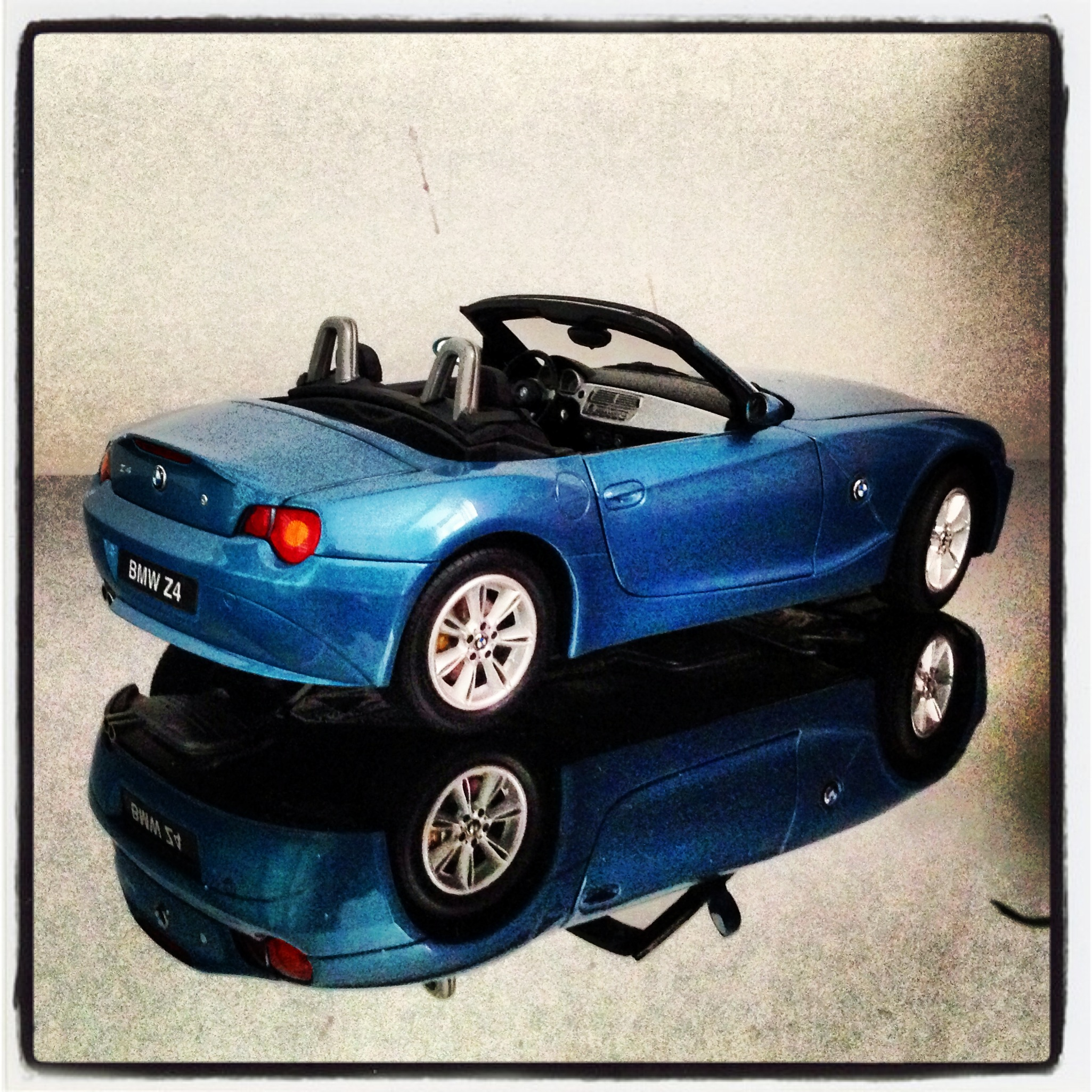BMW Z4 roadster (E86) blue (kyosho)
