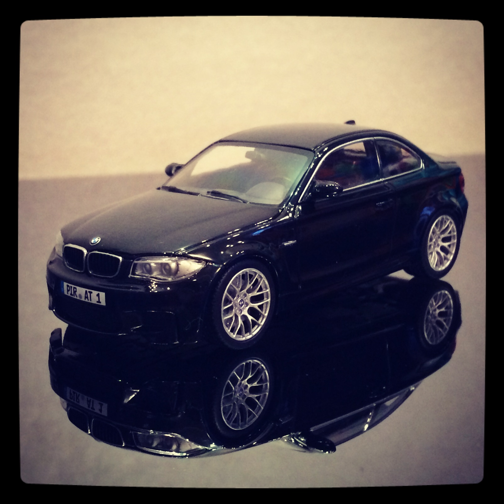 BMW 1M coupe (E82) black (minichamps)